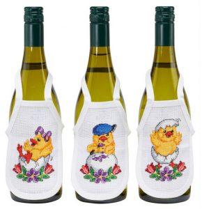 Broderi til påske - Forklæder til vinflasker med påskekyllinger